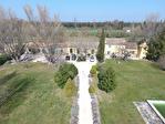 Bien rare : Mas Provençal de 490 m² dont 180 m² de locaux commerciaux sur un terrain de 40 000 m²
