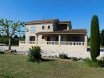 Maison traditionnelle de 175 m²    100 m² de dépendance sur 5000 m² de terrain