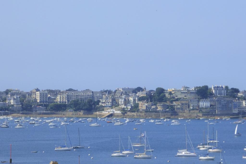 A vendre bel appartement de standing quatre pièces à Saint-Malo