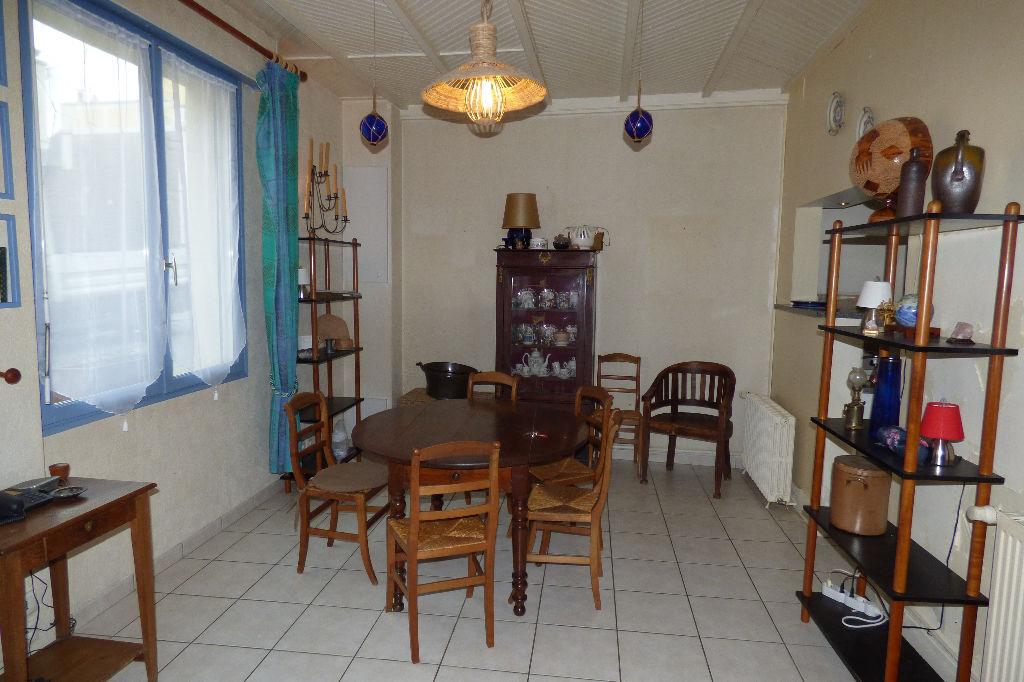 A vendre maison trois chambres, 150 mètre de la plage, à Saint-Malo, Rochebonne.