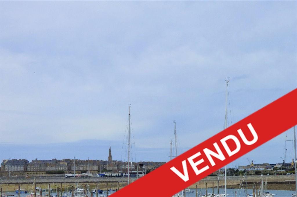 """A vendre petit appartement deux pièces avec vue sur mer et sur Intra-Muros : """"Le Vauban"""""""