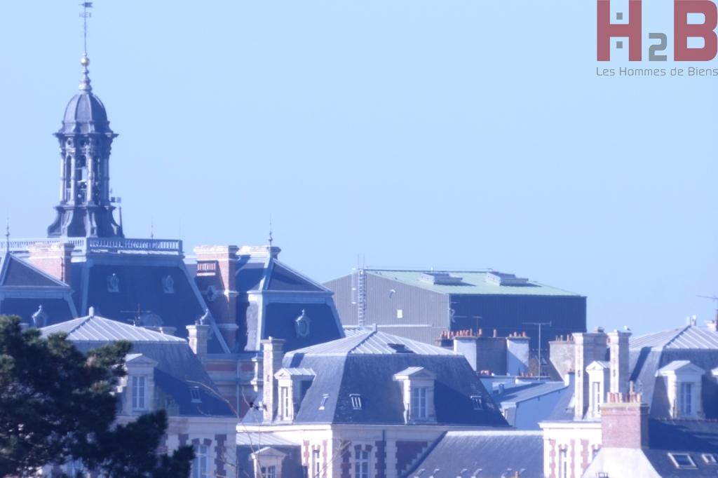 A Saint-Malo, à vendre un appartement trois pièces au dernier étage