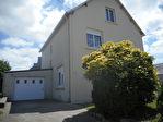 Maison Landivisiau 8 pièce(s) 130 m2