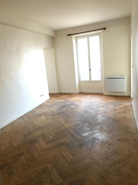 Appartement 2 pièces centre de Maule