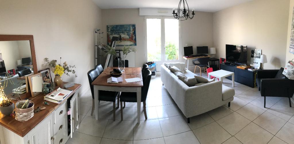 Appartement 3 pièces avec terrasse à Maule