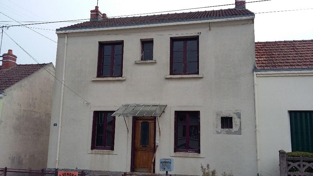 Maison - 8 piéce(s) - 68500 €