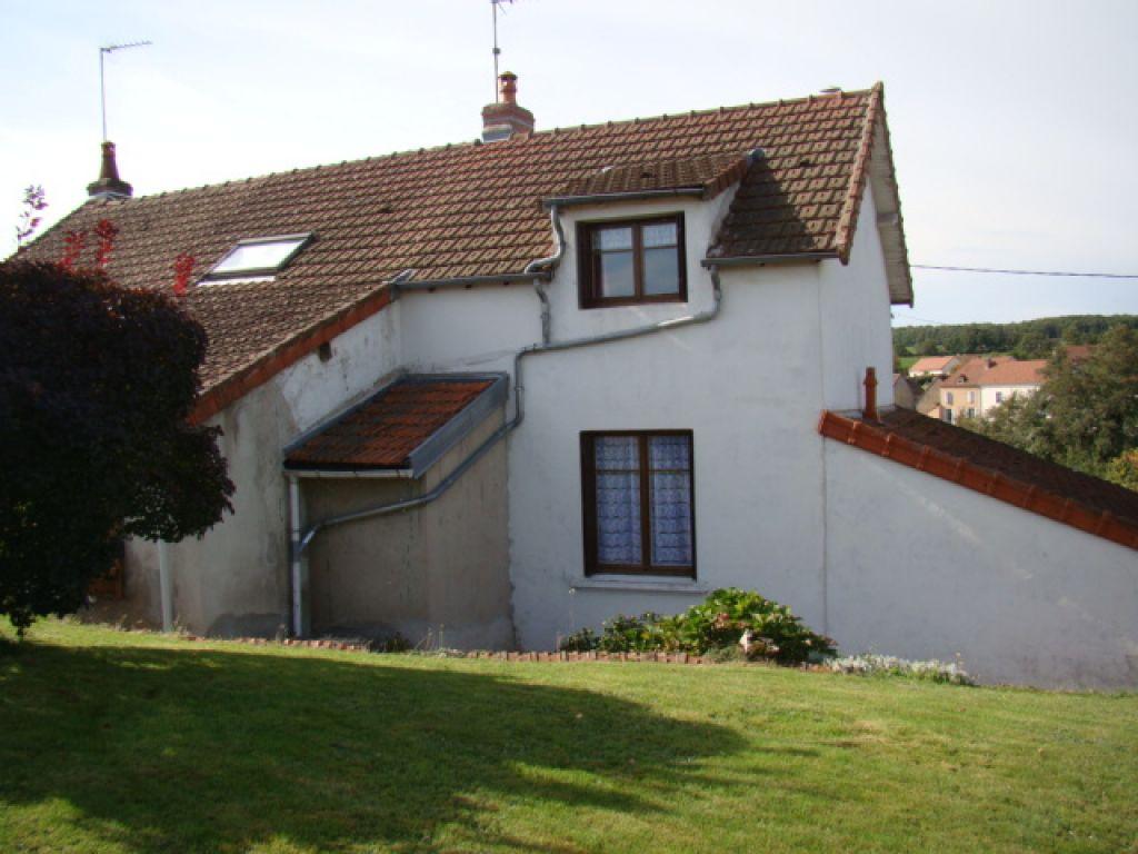 Maison - 5 piéce(s) - 97500 €