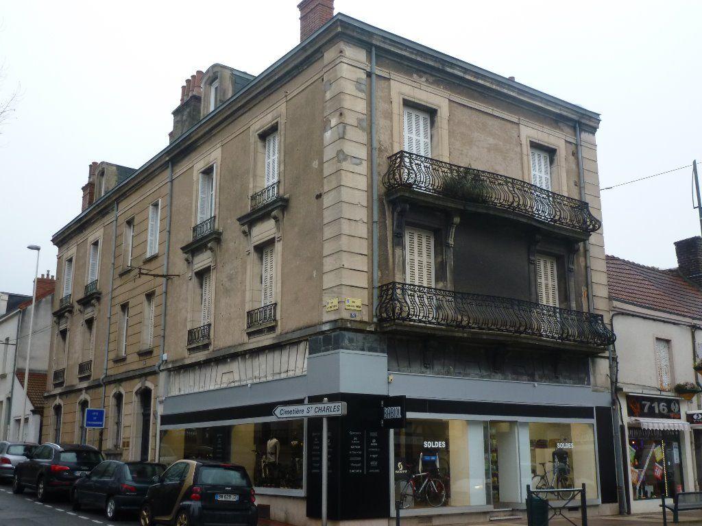 Appartement - 6 piéce(s) - 249500 €