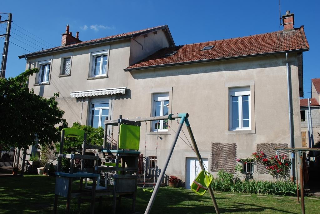 Maison - 10 piéce(s) - 165000 €
