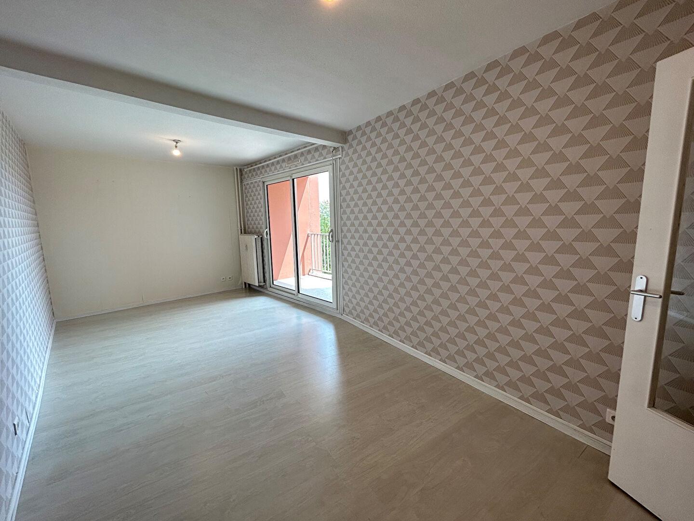 Appartement - 3 piéce(s) - 570 €