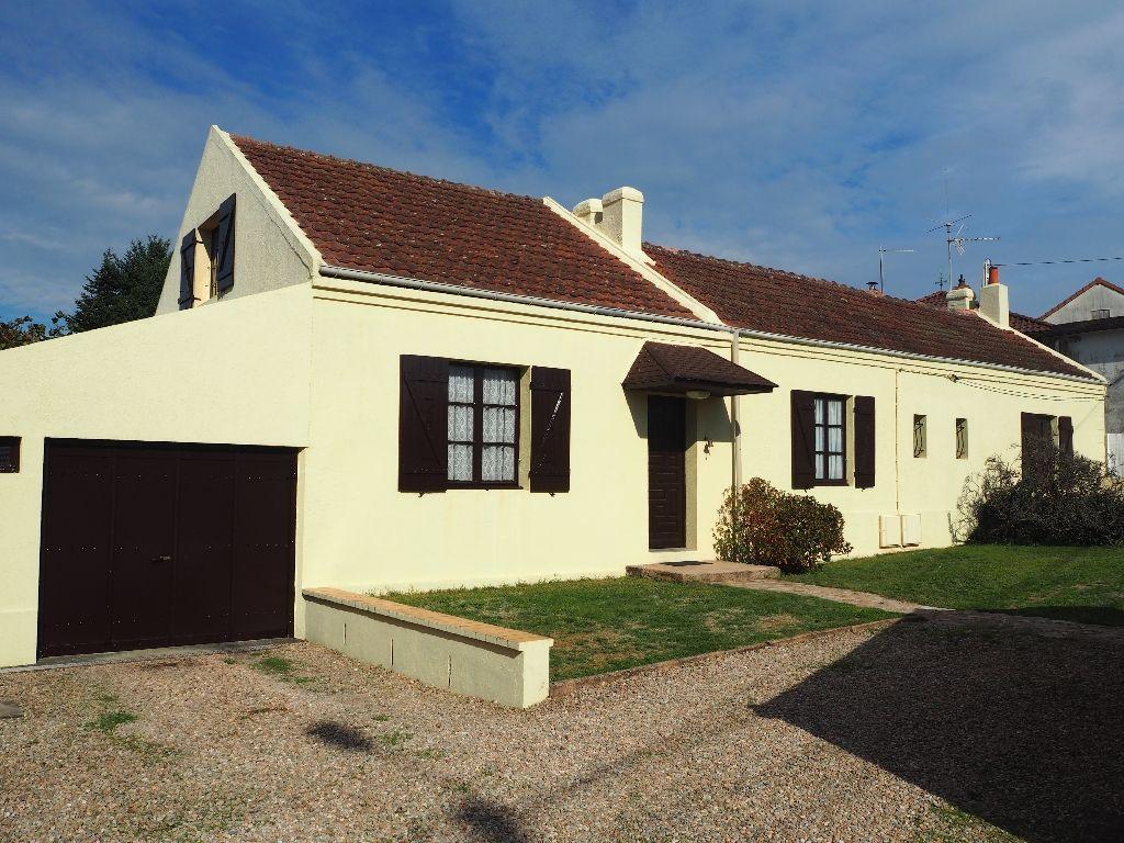 Maison - 6 piéce(s) - 127000 €