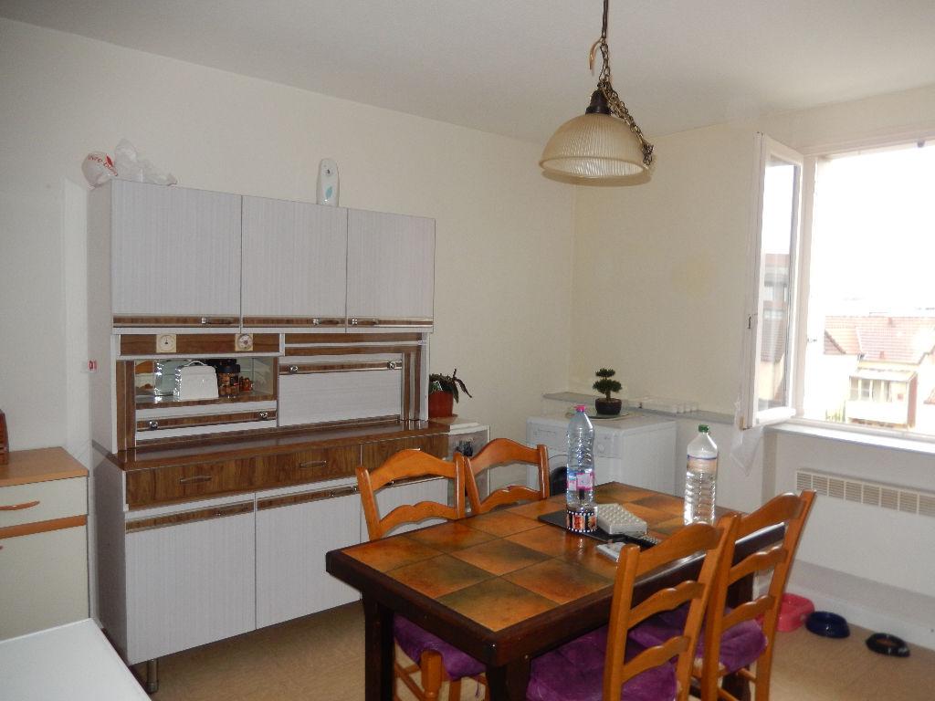 Appartement - 2 piéce(s) - 330 €