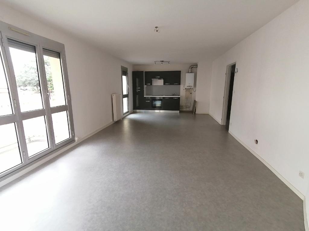 Appartement - 3 piéce(s) - 540 €