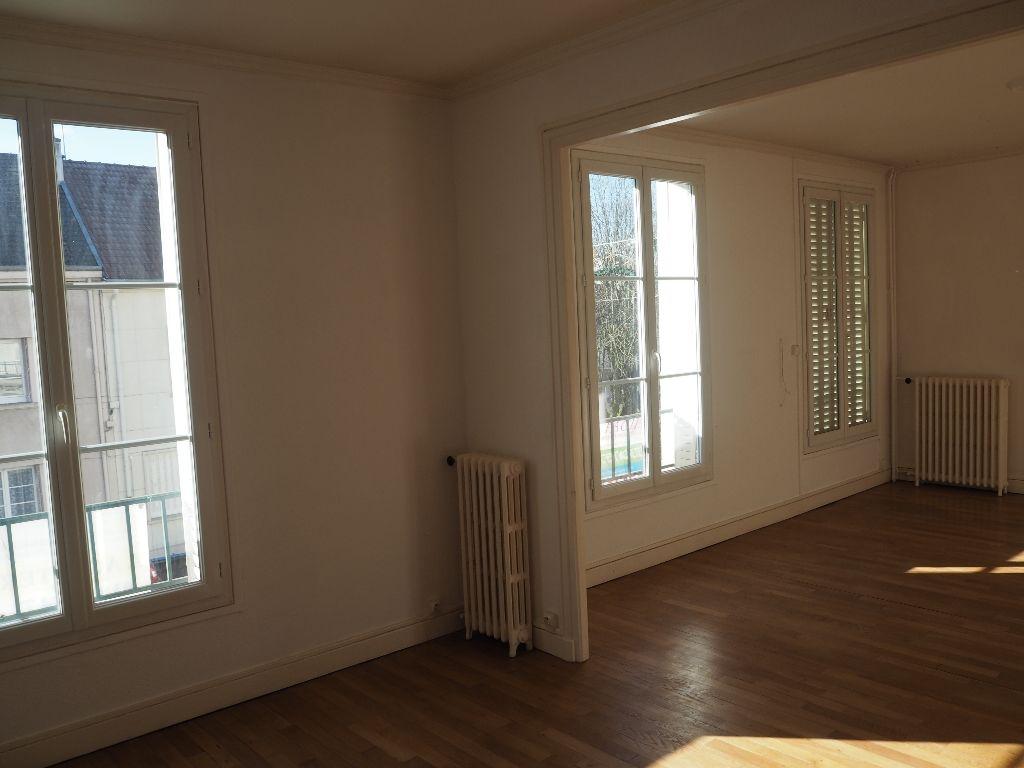 Appartement - 4 piéce(s) - 75000 €