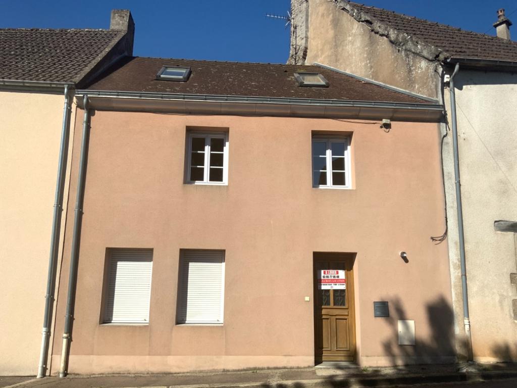 Maison - 3 piéce(s) - 500 €
