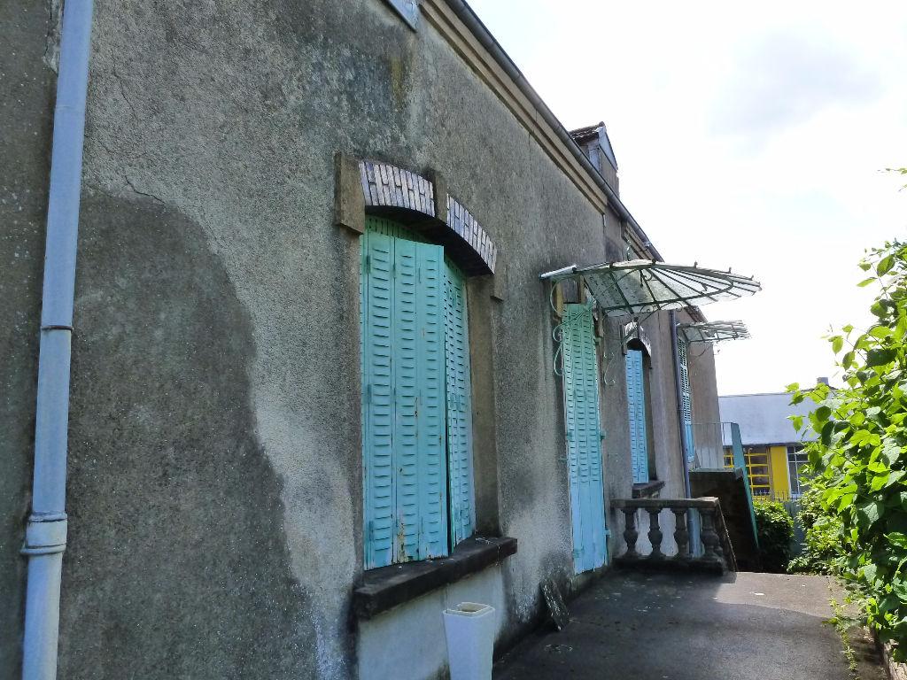 Maison - 0 piéce(s) - 22500 €