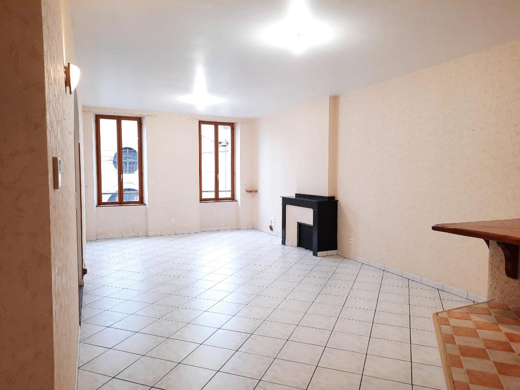Appartement - 5 piéce(s) - 680 €