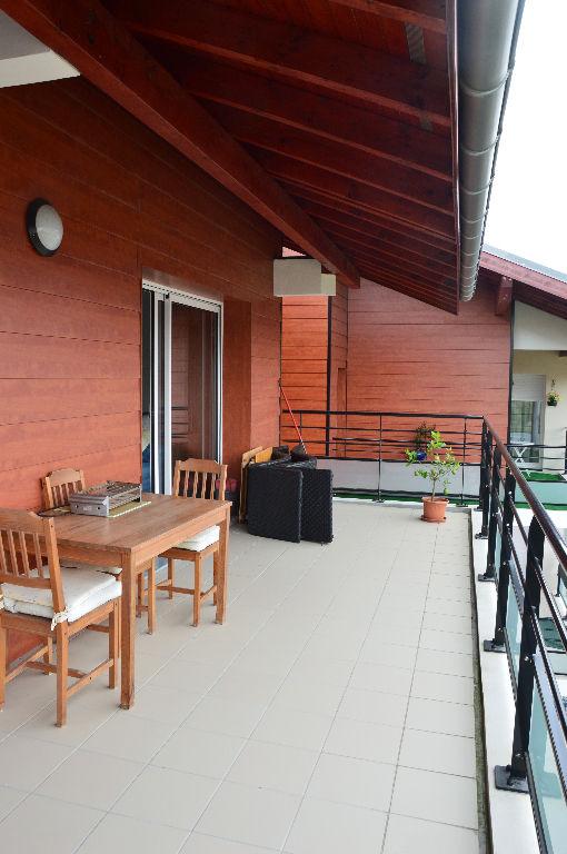 Appartement - 3 piéce(s) - 1300 €