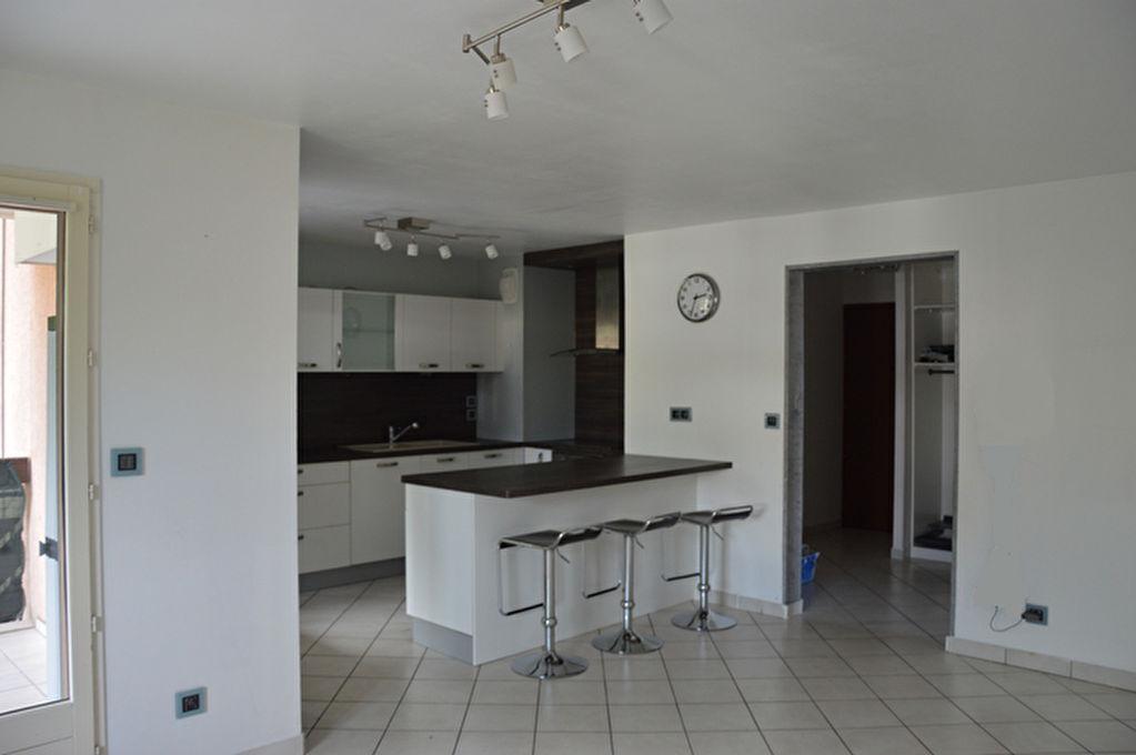 Appartement - 4 piéce(s) - 1505 €