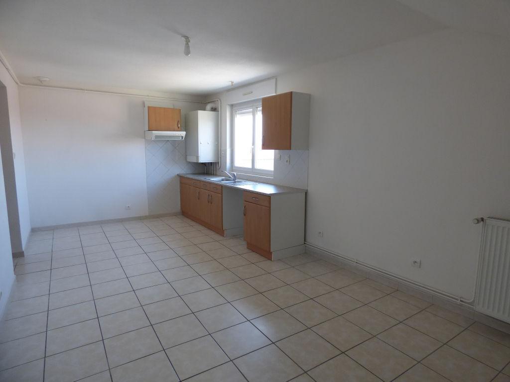 Appartement - 3 piéce(s) - 395 €