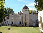 TEXT_PHOTO 0 - Château à l'entrée de Périgueux.
