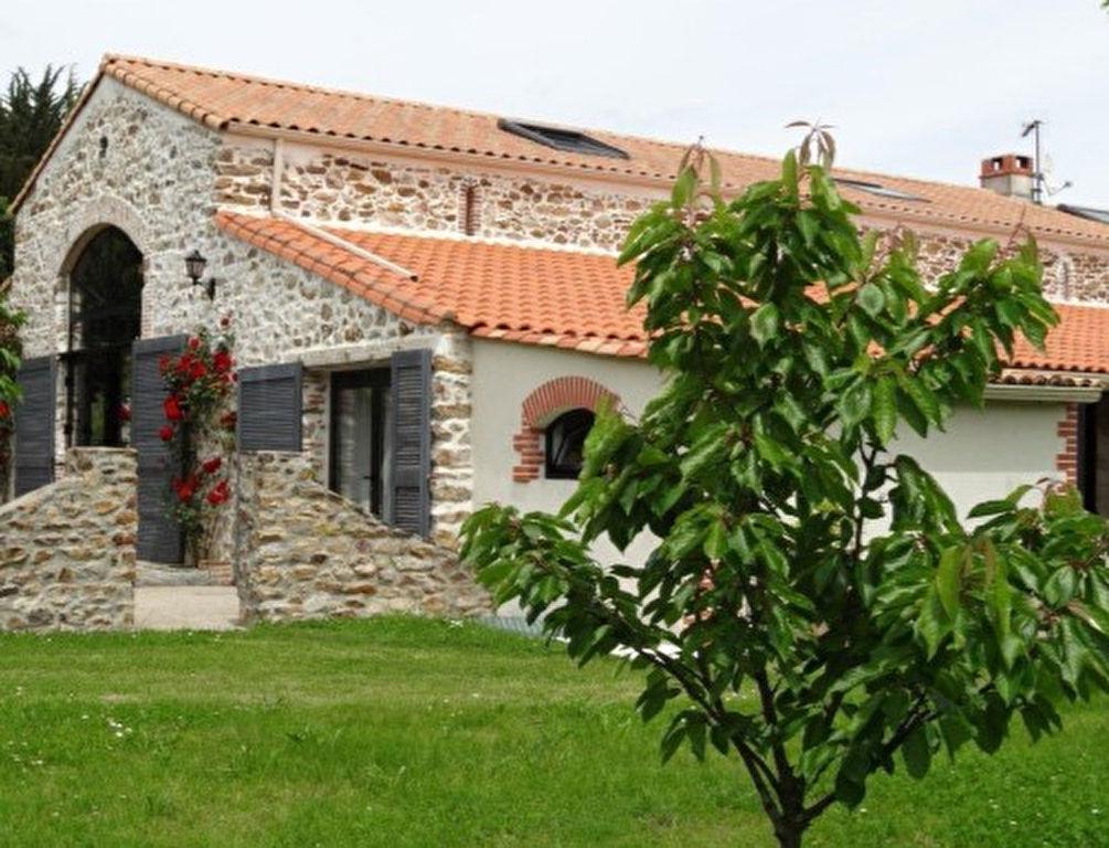 Maison Corcoue Sur Logne 5 pièce(s) 165 m²