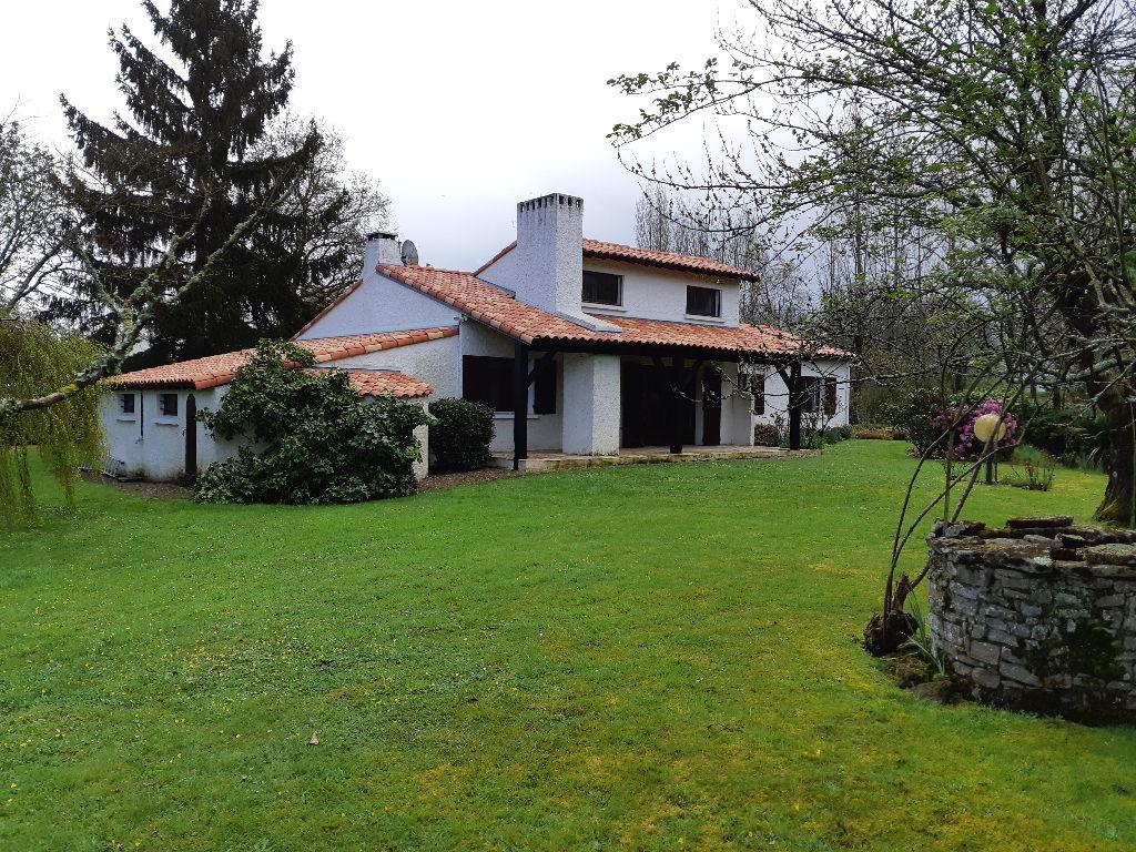 St Mars de Coutais - Maison 130m² hab et garage de 75m²