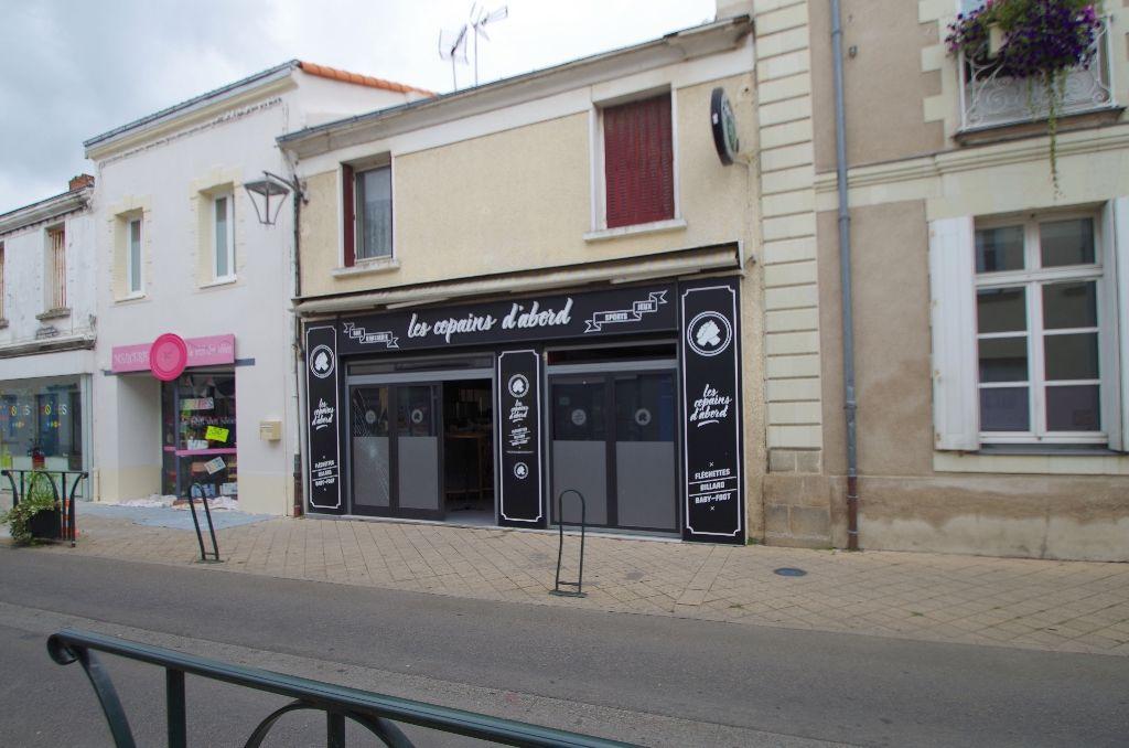 CAFE ET RESTAURANT  (Murs commerciaux libre + fond de commerce)