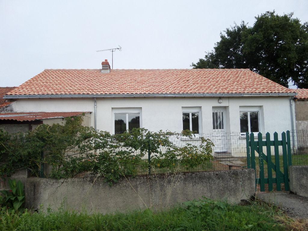 Maison  4 pièce(s) 89 m² , avec dépendances