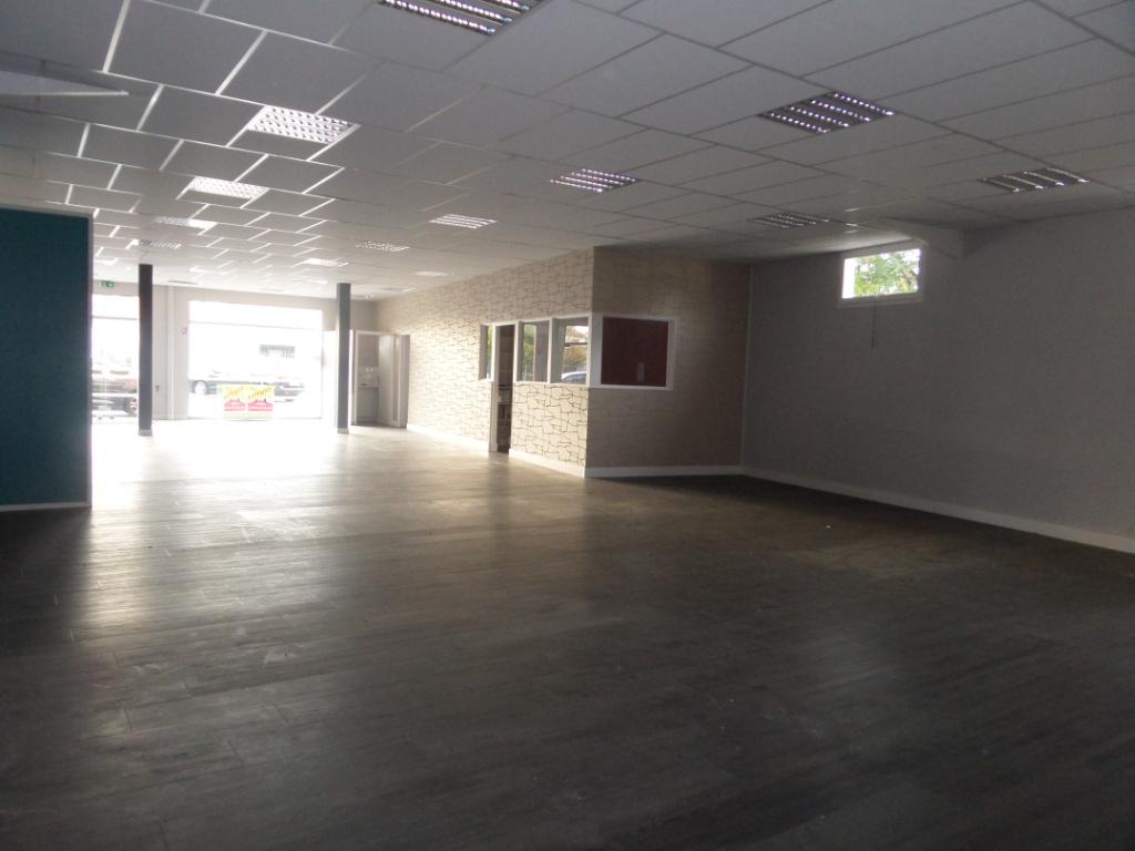 Local Professionnel Machecoul 4 pièces 252 m2