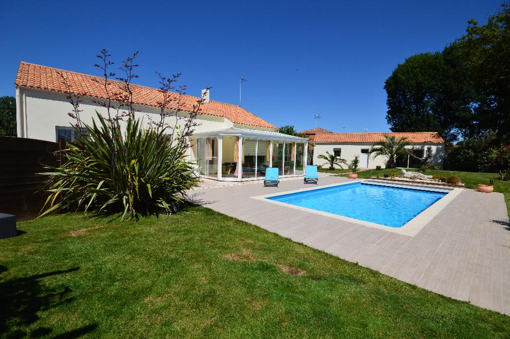 Maison avec piscine, 4 pièces 103 m² avec studio 50 m²