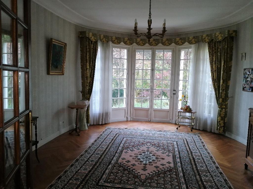 Maison Saint Colomban 9 pièce(s) 266 m2