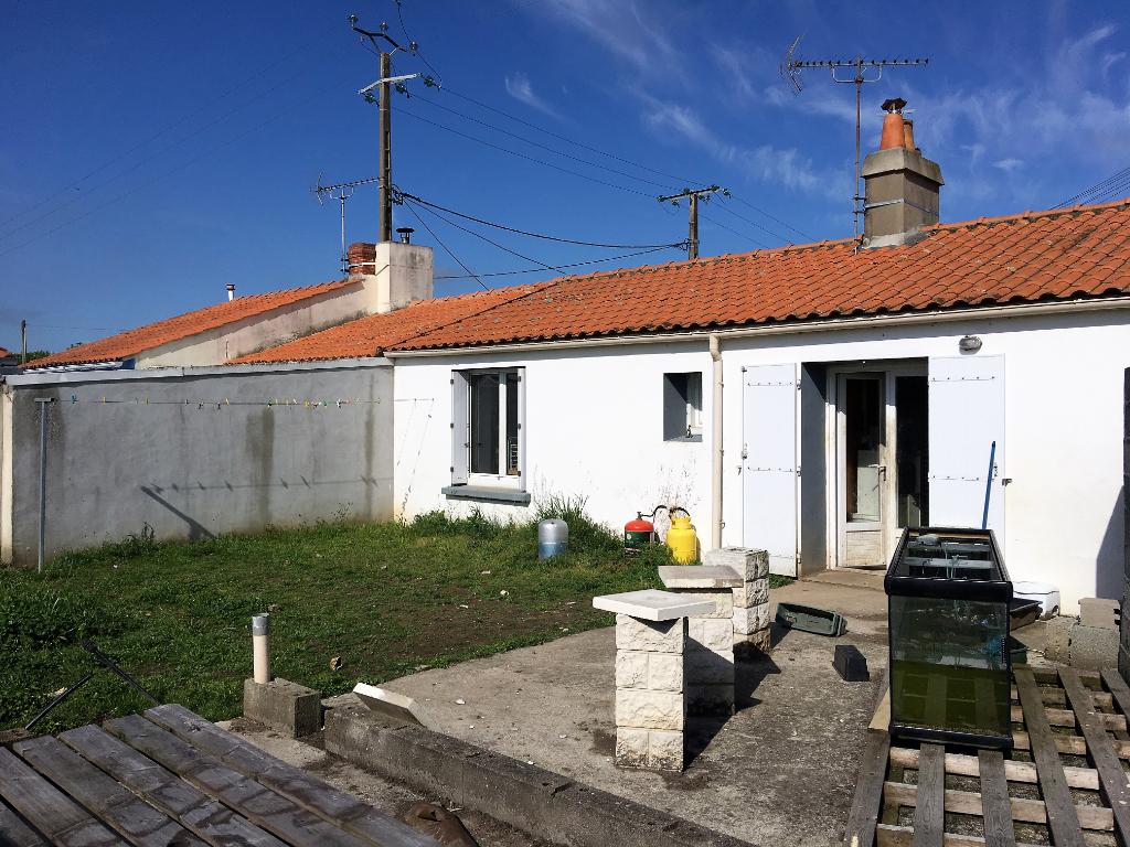Maison Saint Etienne De Mer Morte 3 pièce(s) 50 m2