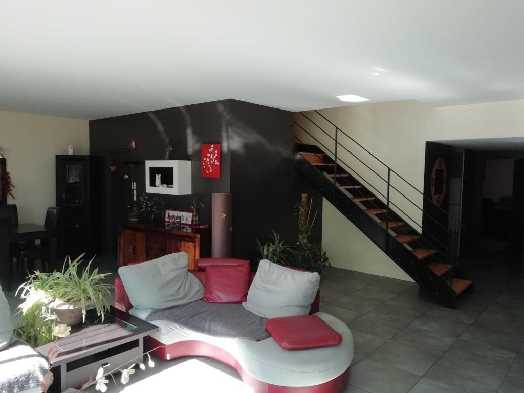 Ensemble Immobilier Maison et Showroom