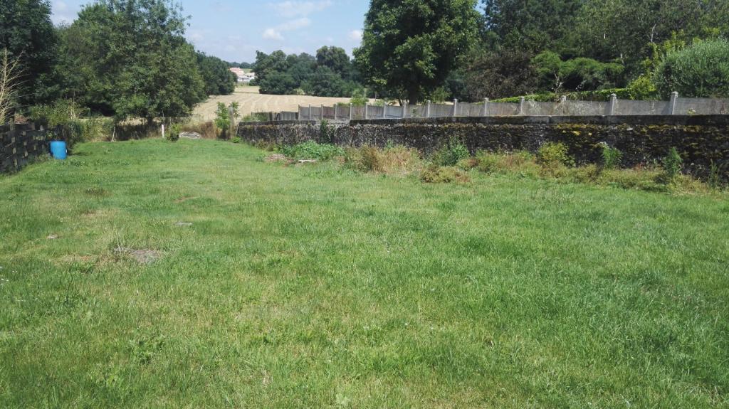 Terrain libre de constructeur, Port-St-Père Bourg