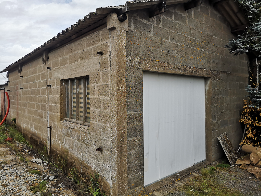 MACHECOUL - Garage (52m2) - Transformation possible en habitation