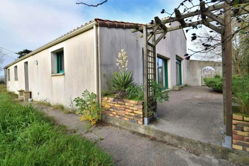 Maison 240 m² 5 chambres sur 6 hectares de terrain