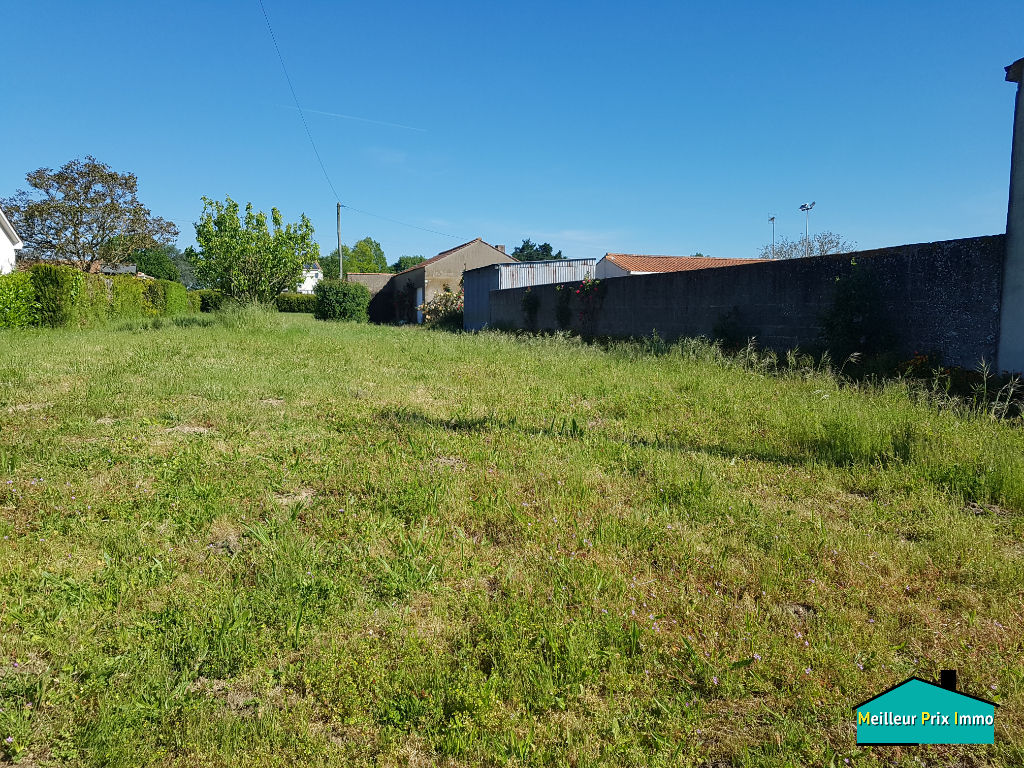 Terrain à bâtir 608 m²  TOUVOIS