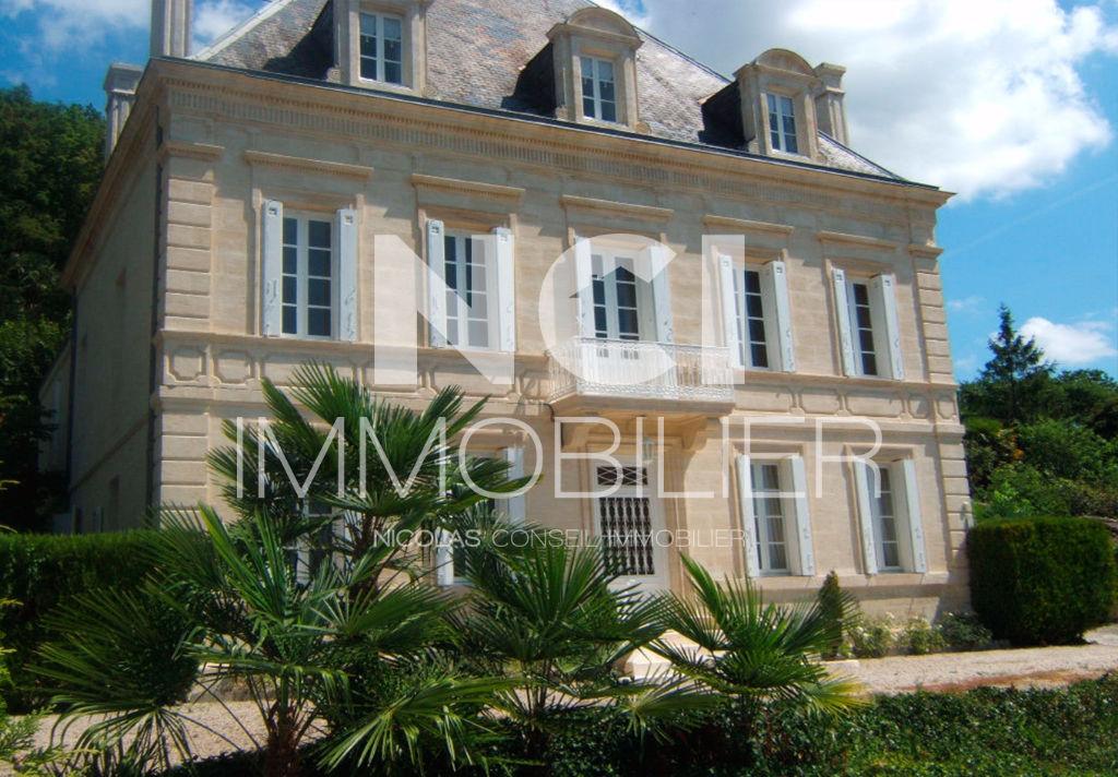 Demeure du 19 ème siècle à 20 mn de Bordeaux