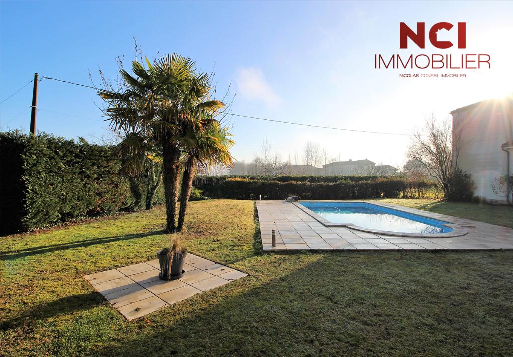 CAMBLANES ET MEYNAC : Maison d'env 190 m² de plain pied  sur env 1400 m² de terrain
