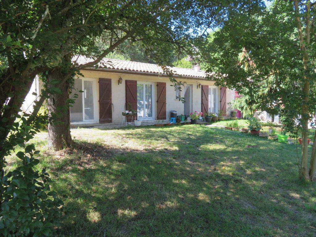 Maison Fargues St Hilaire 8 pièce(s) 206 m2