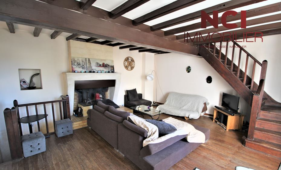 Maison 5 pièce(s) 90 m2 PROCHE LANGOIRAN