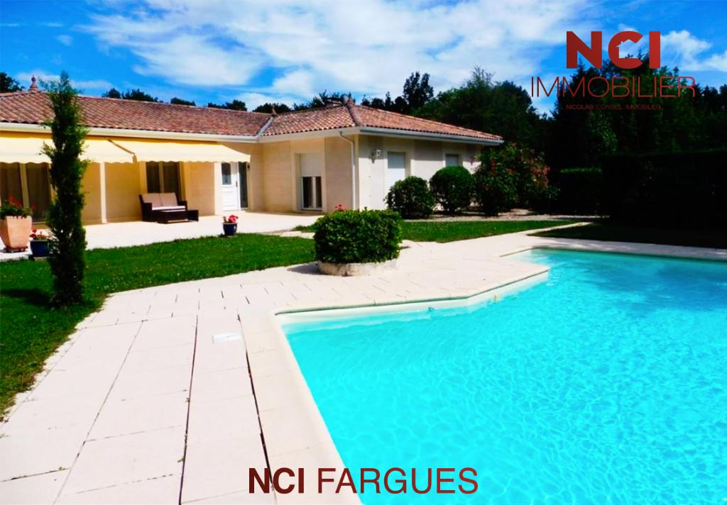 Maison proche Fargues Saint Hilaire 5 pièce(s) 175 m2