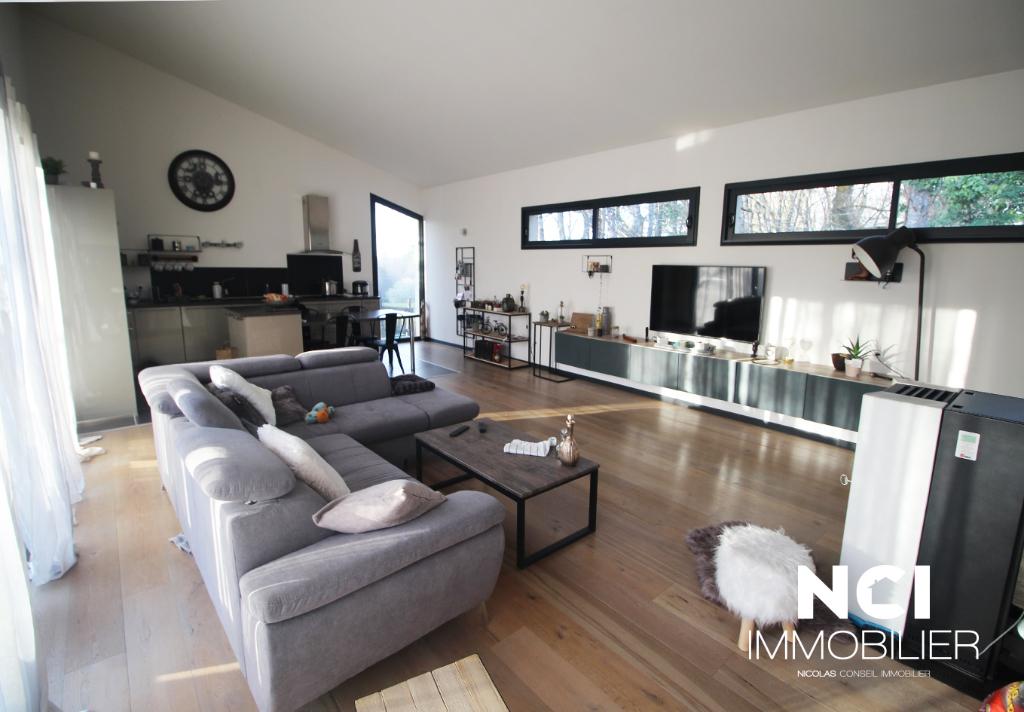 Maison secteur Camblanes Et Meynac 5 pièce(s) 130 m2