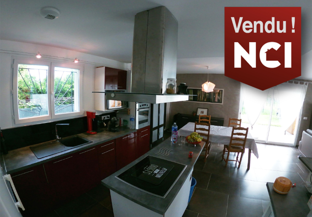 Maison  4 pièce(s) 104 m2 SADIRAC BOURG