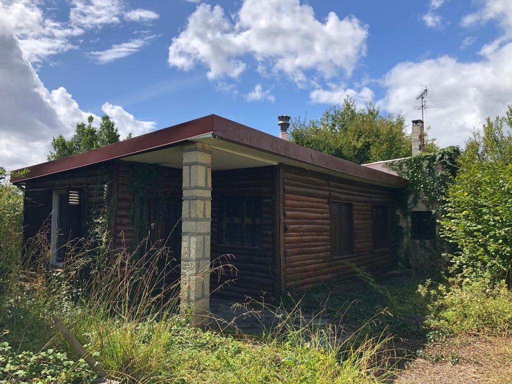 Maison + garage à rénover - Proche Fargues St Hilaire