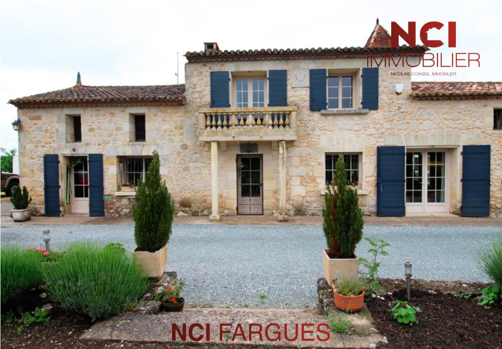 Maison 7 pièce(s) 250 m2 à 15 min de Fargues St Hilaire