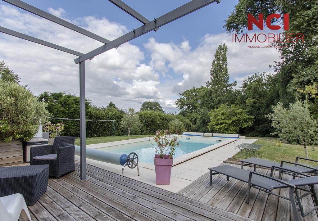 Maison proche Fargues Saint Hilaire 4 pièce(s) 130 m2