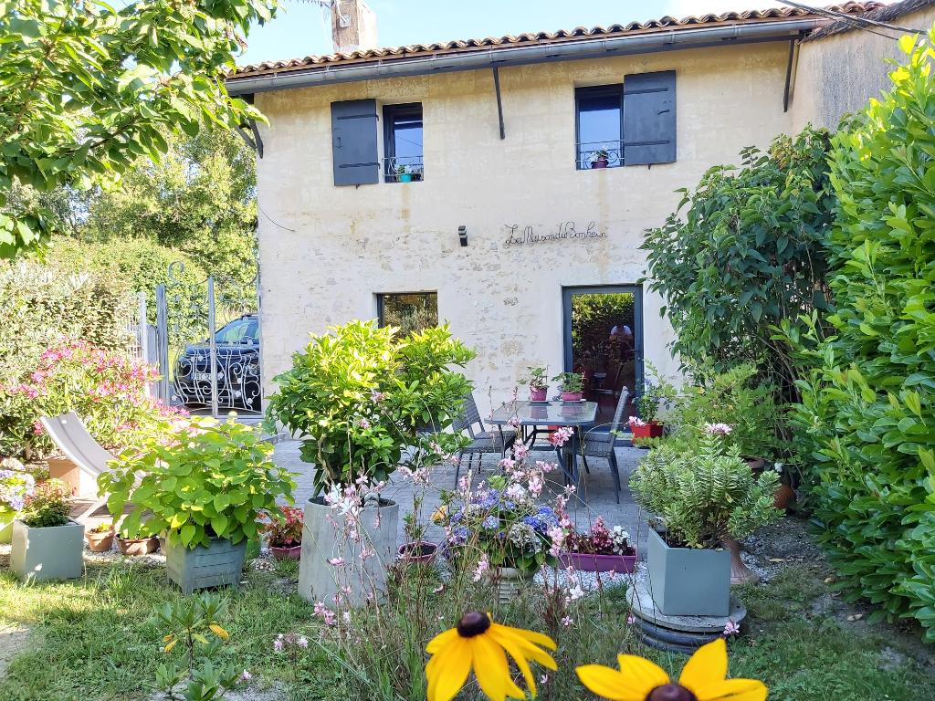 Maison Fargues Saint Hilaire 2 pièce(s) 68 m2