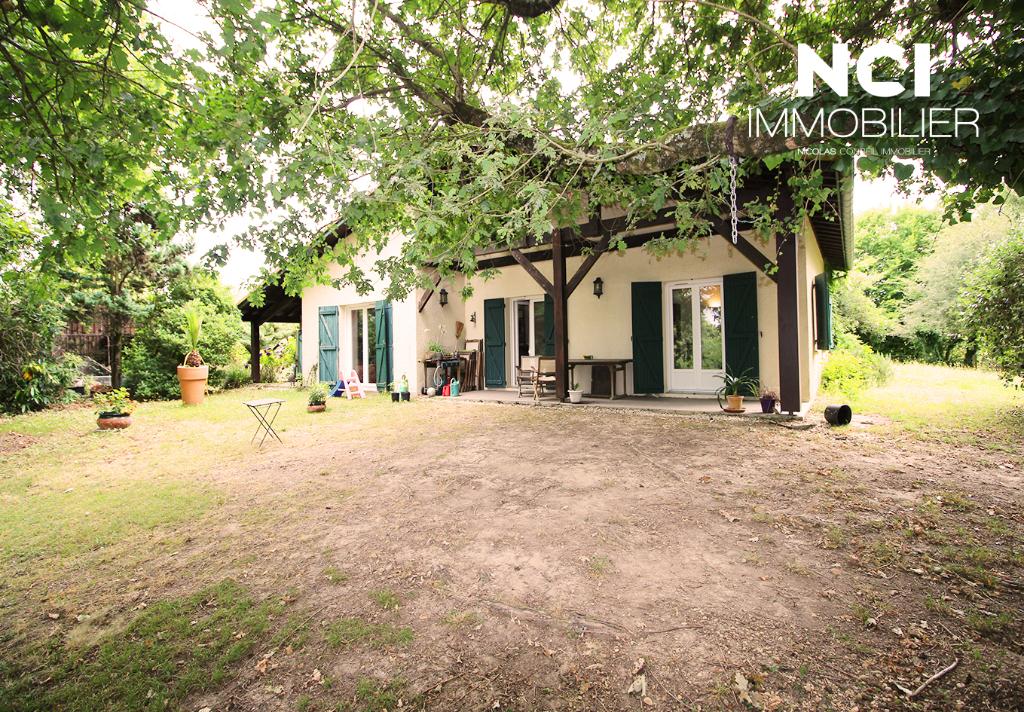 Maison Creon 5 pièce(s) 150 m2